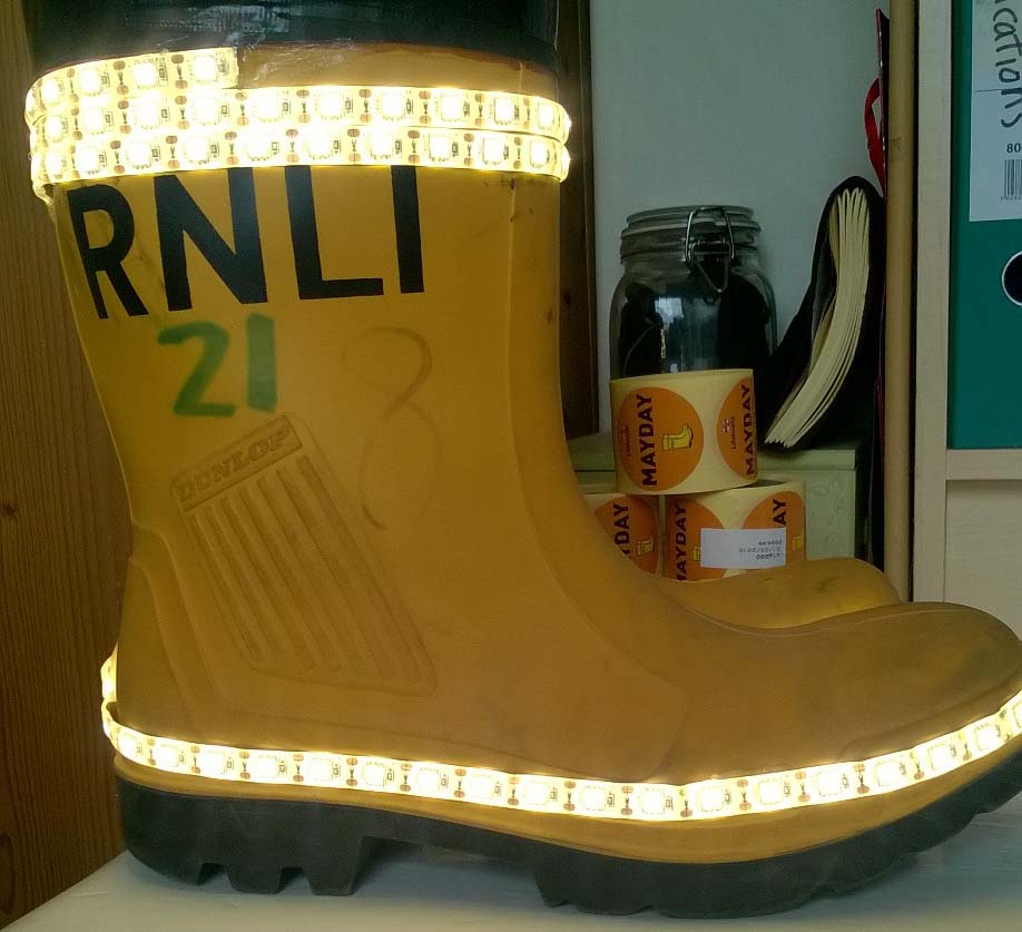 The illuminated RNLI welly for the relay
