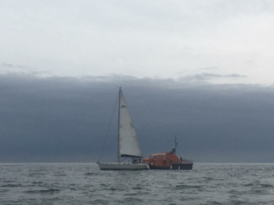 Lifeboat takes 42ft yacht in tow off Worms Head
