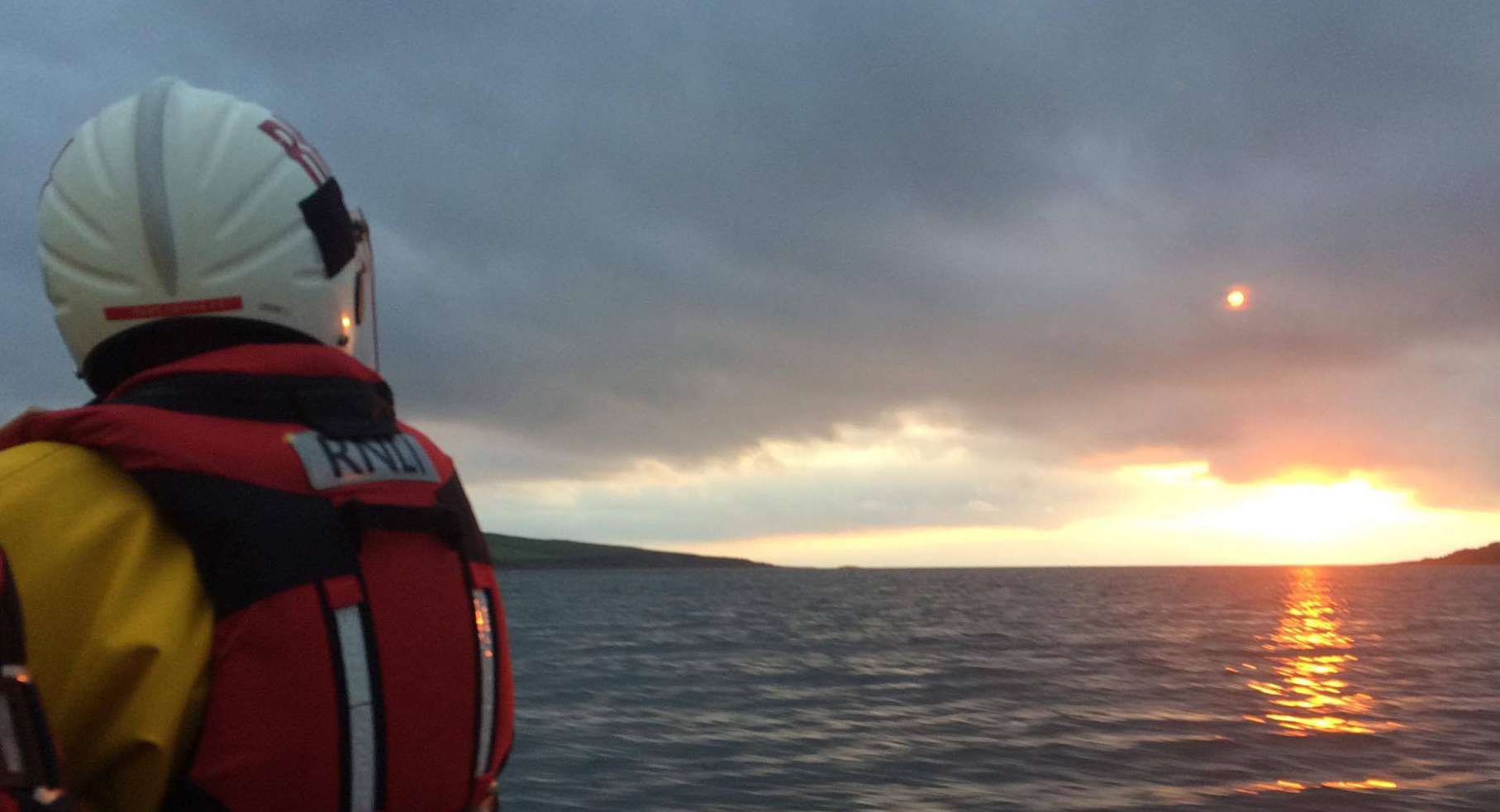 Arran volunteers search for missing dinghies