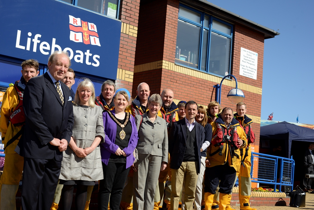 Left to Right - Colin Jones, Barry Dock RNLI Deputy Launching Authority, Sonia Modray, RNLI Trustee, The Mayor of Barry Councillor Charlotte Williams, Jane Hutt AM and Alun Cairns MP, with the Barry Dock RNLI lfeboat crew attend the visitor centre opening ceremony.