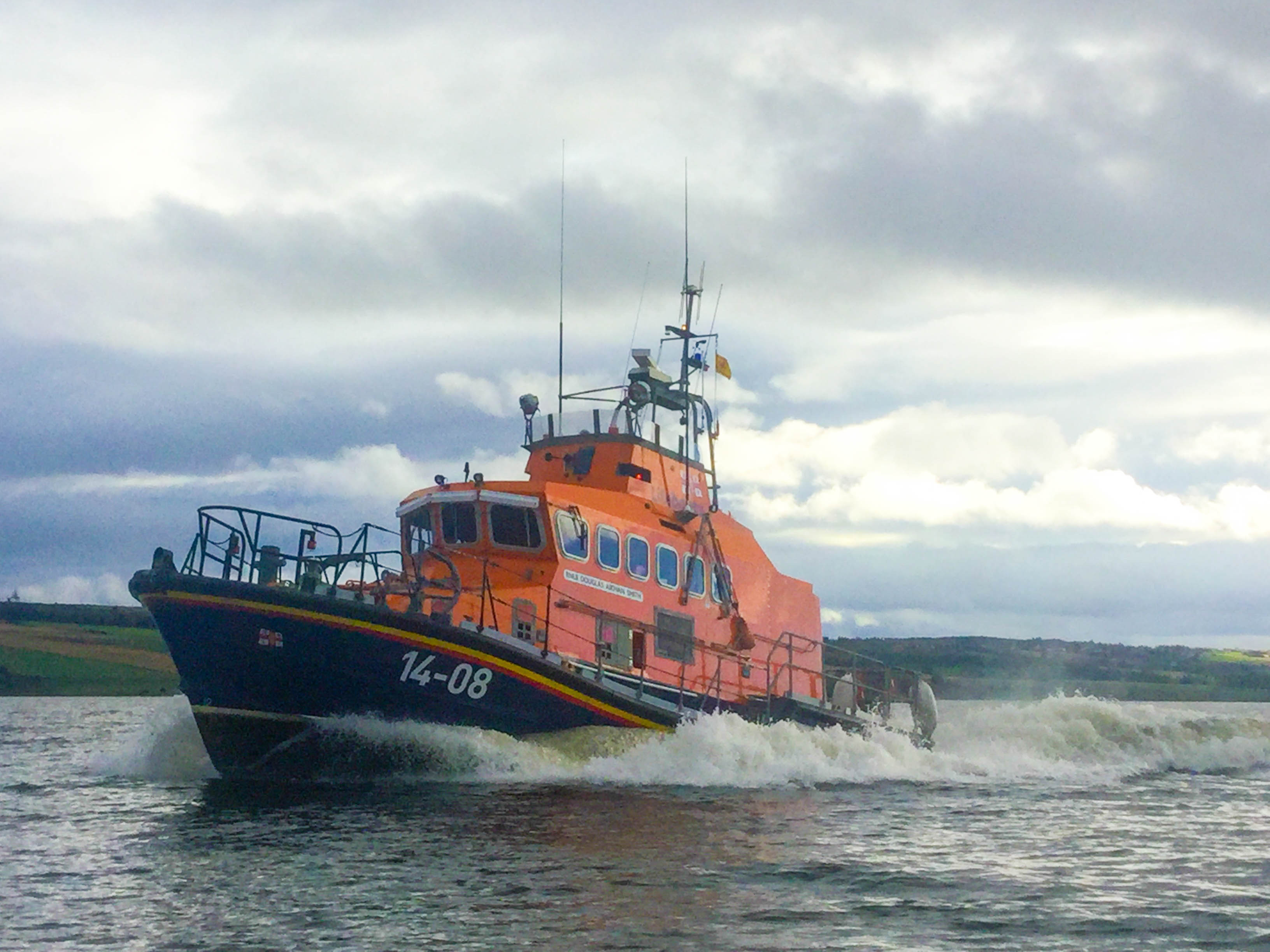 Invergordon Lifeboat underway