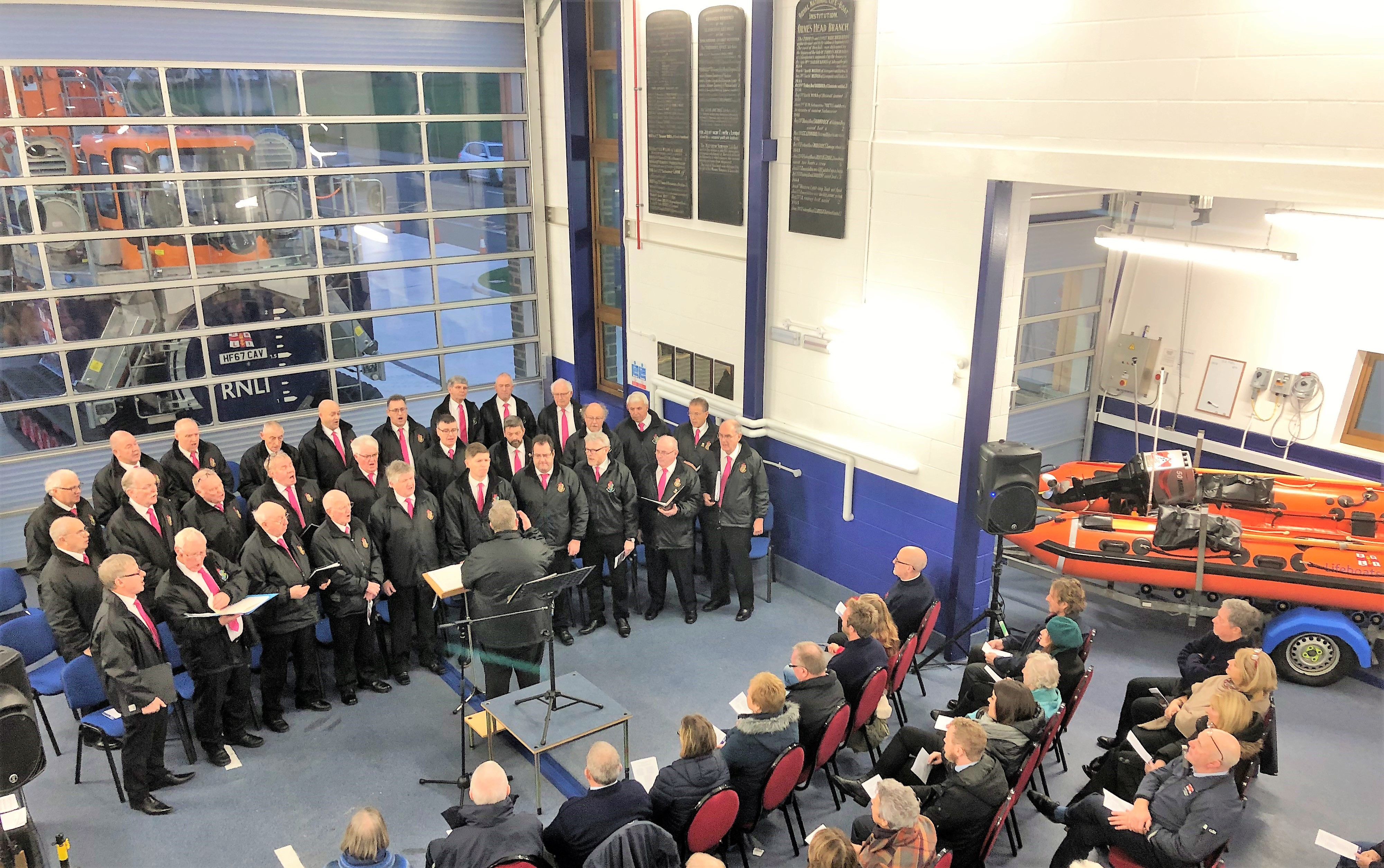 , Llandudno lifeboat station successfully hosted a Christmas Service at the new boathouse in Craig-y-Don. The Llandudno RNLI family were delighted to be also joined by Côr Meibion Colwyn in this early celebration of Christmas.
