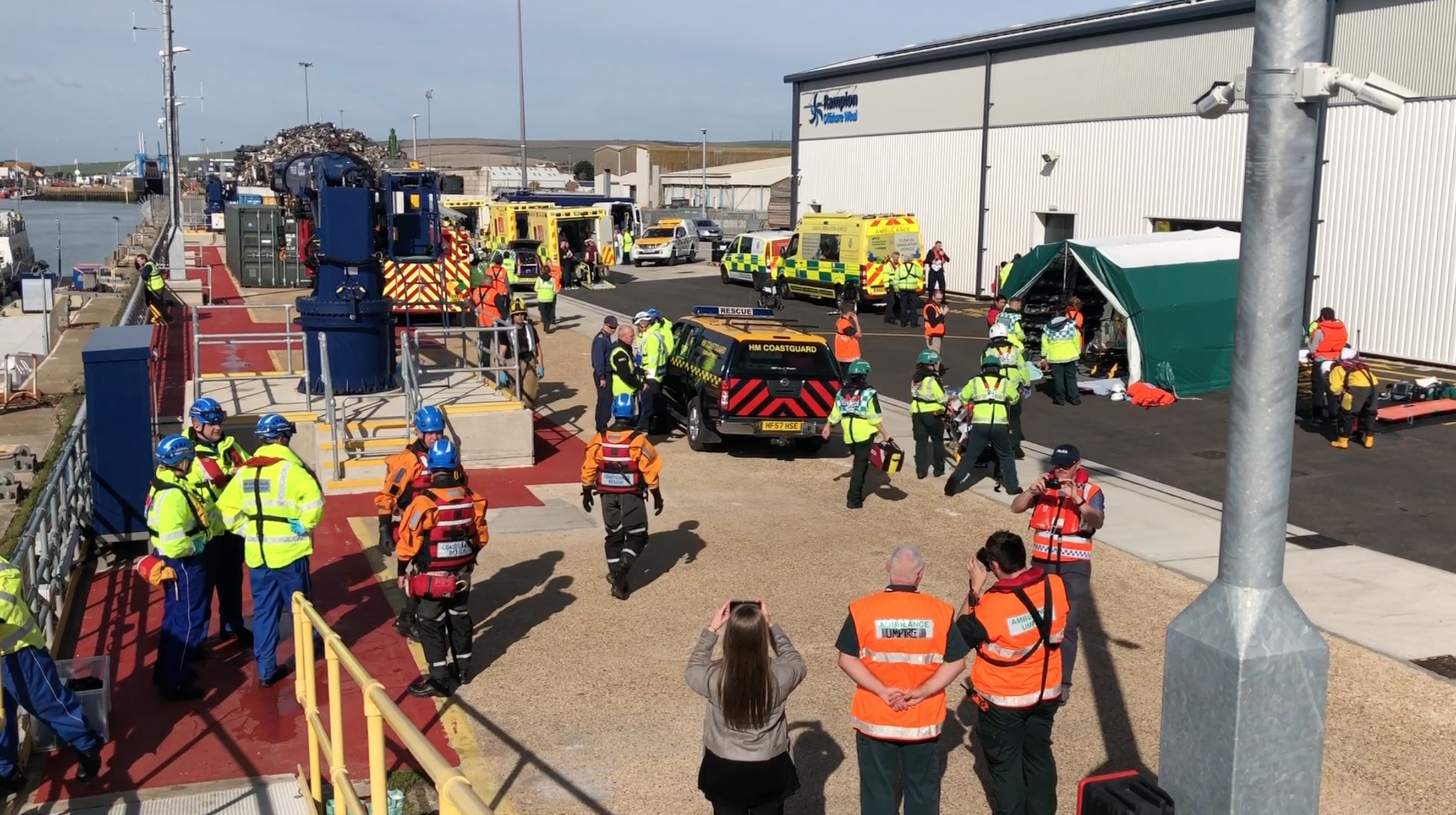 Photo showing large number of emergency workers involved in the exercise.