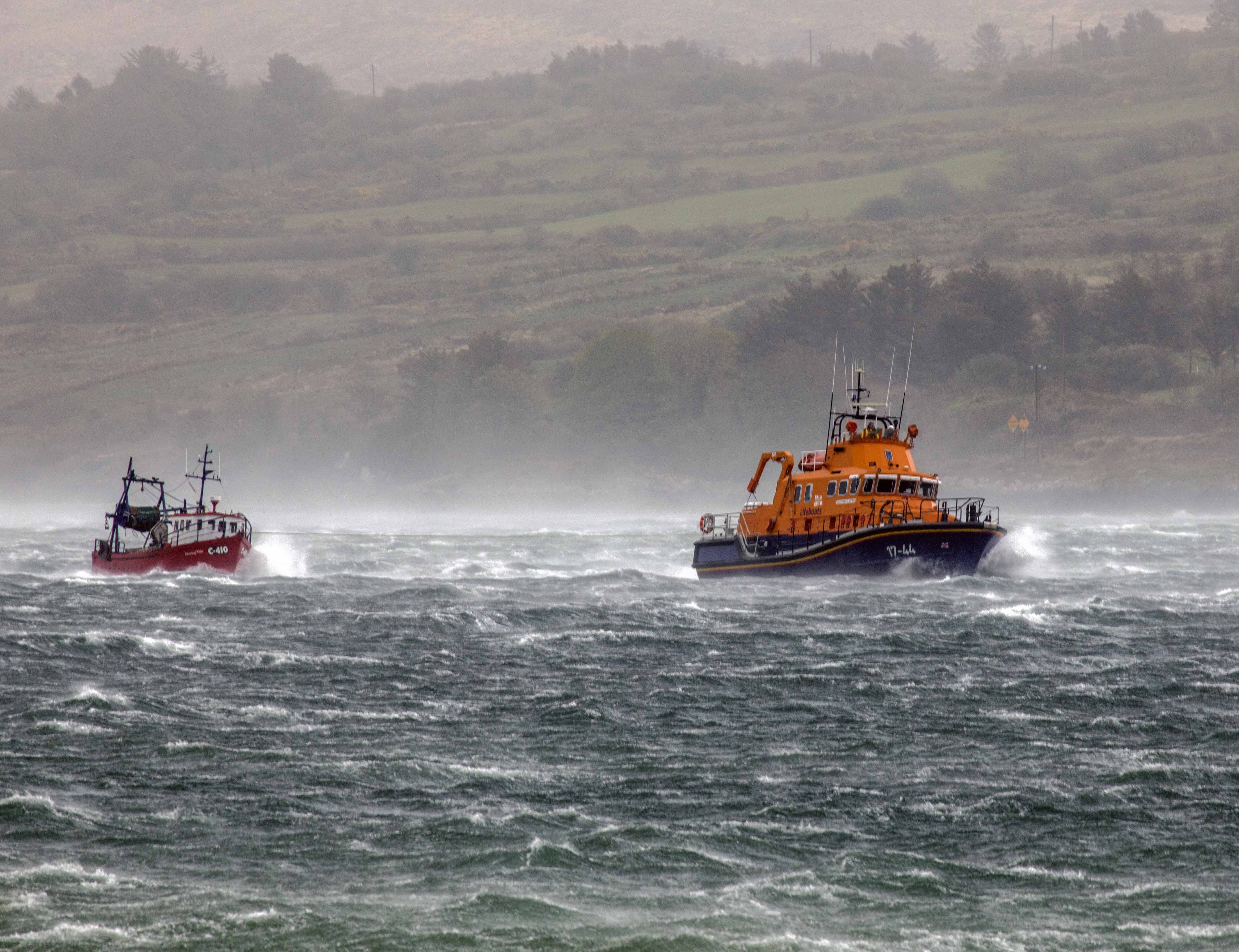 Castletownbere RNLI launches during Storm Hannah