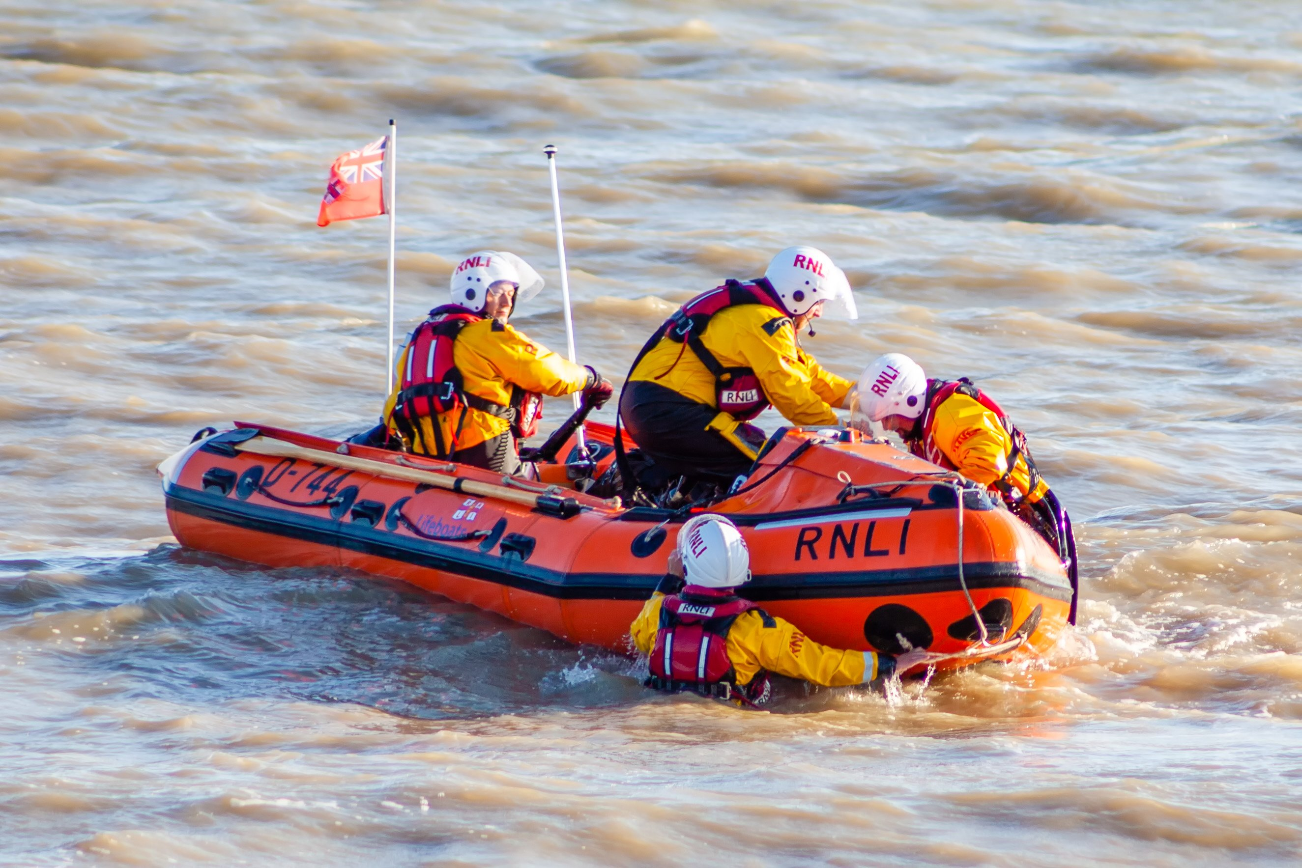 Relaunch of ILB with casualty safely ashore