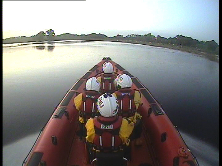 Carrybridge RNLI assist two people on a broken down vessel