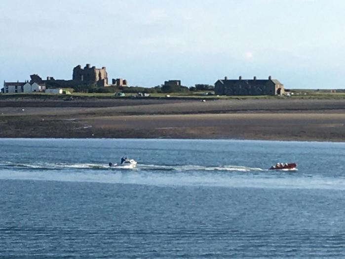 Barrow ILB 'Vision of Tamworth' with casualty vessel under tow