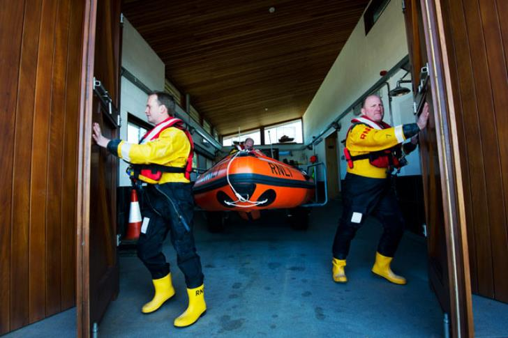 Launching the Exmouth inshore lifeboat.