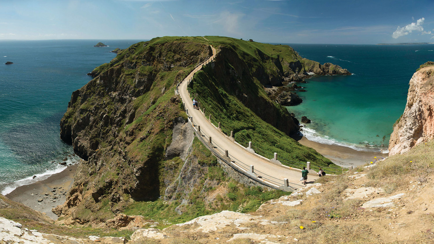 La Coupée, the causeway which joins big and little Sark