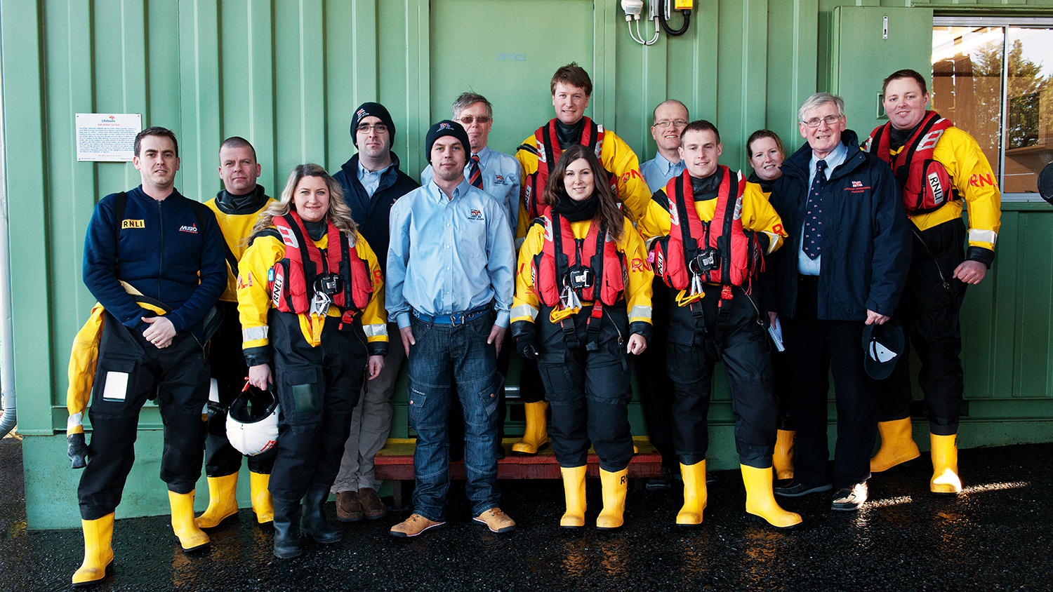 Group shot of Lough Ree crew and station volunteers.